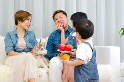 азиатская семья симпатичная Стоковая Фотография RF