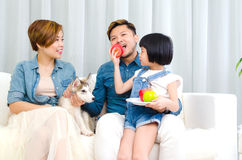 азиатская семья симпатичная Стоковые Фотографии RF