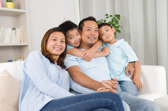 азиатская семья Стоковые Изображения