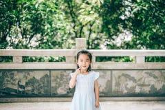азиатская усмешка девушки Стоковые Фото