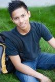 азиатские детеныши мыжского студента стоковые изображения rf