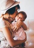 Азиатские женщина и дочь Стоковое Изображение RF
