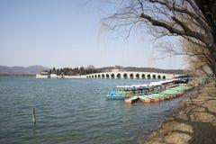 Азиатские китайцы, Пекин, летний дворец, 17 продырявливают мост Стоковая Фотография RF