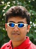 азиатские солнечные очки человека стоковая фотография rf