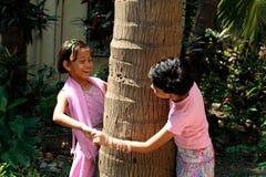 Азиатский играть детей стоковая фотография rf
