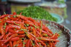 азиатский красный цвет перца свежего рынка chili Стоковые Изображения RF