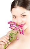 азиатский пинк стороны конца chrysanthem вверх по женщине Стоковая Фотография RF