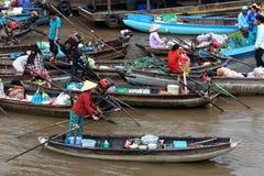 азиатский плавая рынок Стоковые Изображения
