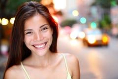 Азиатский портрет женщины в Нью-Йорк Стоковые Фото