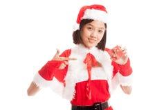 Азиатский пункт девушки Санта Клауса рождества к подарочной коробке Стоковое Изображение