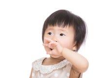 Азиатский ребёнок зевая Стоковые Фотографии RF