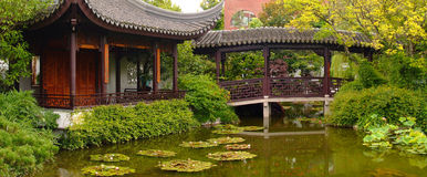 азиатский сад Стоковые Изображения