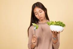 Азиатский салат ненависти женщины стоковые изображения