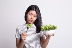 Азиатский салат ненависти женщины стоковое фото