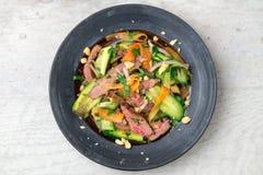 Азиатский салат говядины сверху Стоковое фото RF