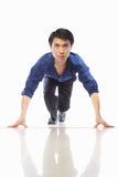 азиатский старт бега бизнесмена к Стоковая Фотография RF