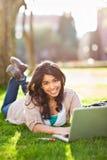 азиатский студент кампуса стоковое изображение