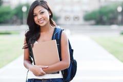 азиатский студент колледжа стоковая фотография