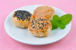 Азиатский традиционный десерт, тайский торт, китайское печенье заполнил wi Стоковая Фотография RF