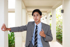 азиатский усмехаться бизнесмена стоковое изображение rf