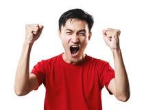 Азиатский футбол поклонника футбола тайских людей в красном isolat рубашки рукава Стоковые Фотографии RF