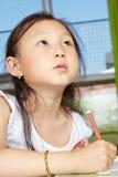 Азиатский чертеж девушки в детском саде Стоковая Фотография RF