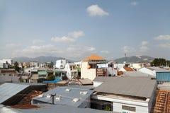Азиатское взгляд сверху городского пейзажа крыш зданий городка стоковые фото