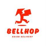 Азиатское работник доставляющее покупки на дом бежит коробка груза поставки скорости Стоковая Фотография