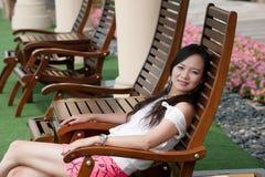 азиат сидит женщина стоковая фотография rf