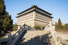 Азия Китай, Пекин, династия стены Ming губит парк, башенки стоковое изображение rf