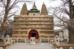 Азия Китай, Пекин, каменная высекая башня трона ŒKing Kong ¼ museumï искусства стоковые фотографии rf
