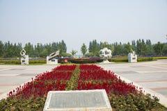 Азия Китай, Пекин, порт цветка Shunyi, скульптура, старые 4 больших вымысла Стоковое фото RF