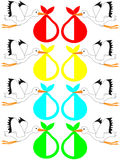 Аист летания нося сюрприз Стоковая Фотография RF