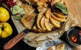 Айва флана с циннамоном и клюквами custard Печенье Shortcrust стоковое изображение