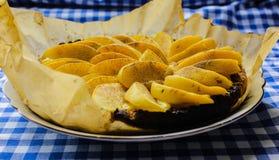 Айва флана с циннамоном и клюквами custard стоковые изображения rf