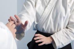 Айкидо практики 2 девушек Стоковое Изображение RF