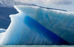 Айсберги в воде, леднике Perito Moreno ареальных стоковая фотография rf