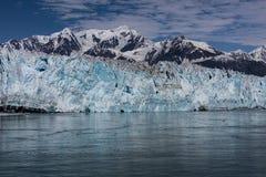 айсберги hubbard ледника переднего плана Аляски плавая малые Стоковое Изображение