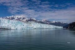 айсберги hubbard ледника переднего плана Аляски плавая малые Стоковые Изображения RF