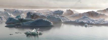 Айсберг в лагуне ледника Исландия Стоковые Фото