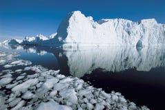 Айсберг и вода Стоковое Изображение