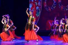 Академии танца Uygur танца ` s детей испытания розовой Пекина сортируя выставка Цзянси достижения выдающего уча стоковое фото