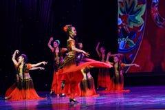 Академии танца Uygur танца ` s детей испытания розовой Пекина сортируя выставка Цзянси достижения выдающего уча стоковое изображение
