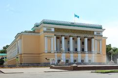 Академический театр казаха названный после Abai стоковые фотографии rf