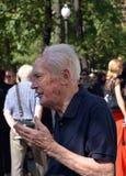 Академик Юрий Ryzhov Прощальная церемония с валерией Novodvorskaya Стоковое Изображение RF