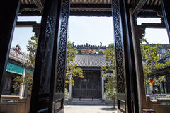 Академия клана Chen, известная туристическая достопримечательность в Гуандуне, Китае, чувствительный высекать и портальная структ Стоковые Фотографии RF