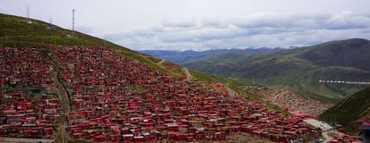Академия Larong буддийская, красный дом Стоковая Фотография RF