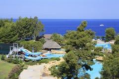 Аквапарк и бассейн на Порту Carras Sithonia Стоковые Фото