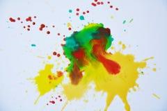Акварель в зеленых желтых красных оттенках на белой предпосылке Стоковые Фото
