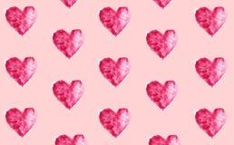 Акварель покрасила предпосылку, безшовную картину с сердцами Стоковое Фото